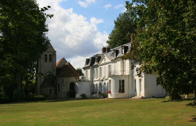 Chateau_Saint_Arnoult01