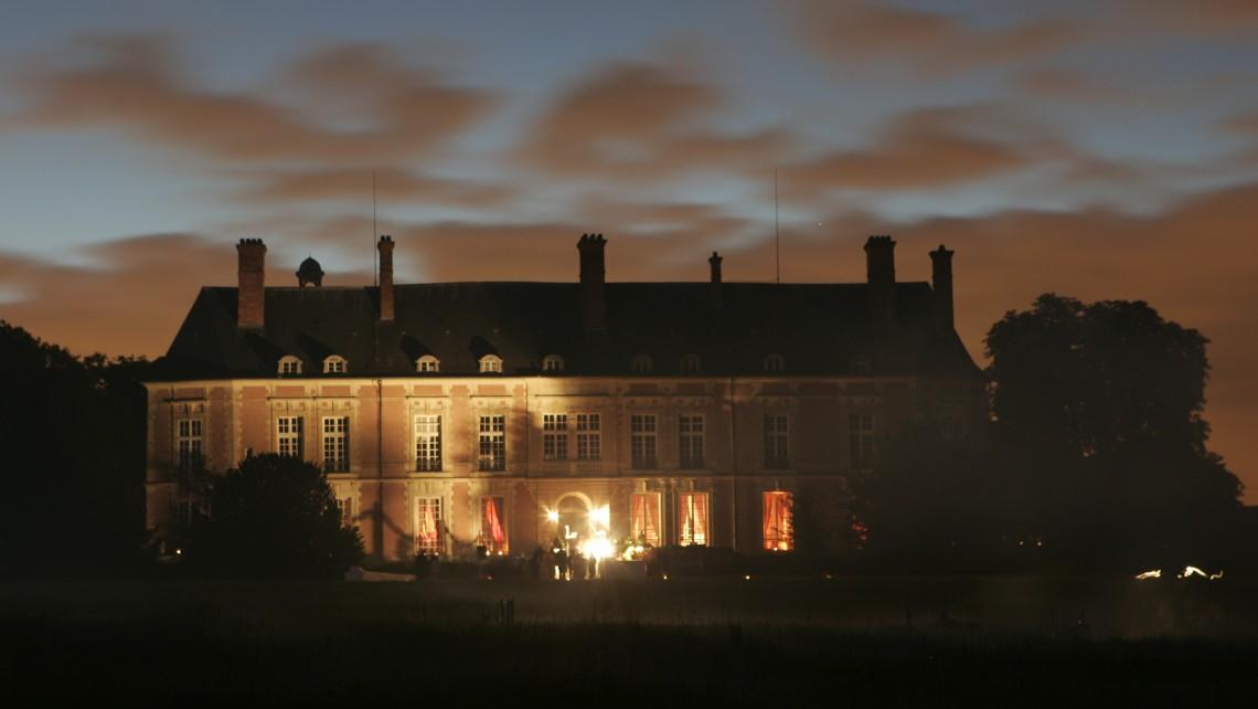 chateau-de-lesigny-salle-reception-mariage-77-soir