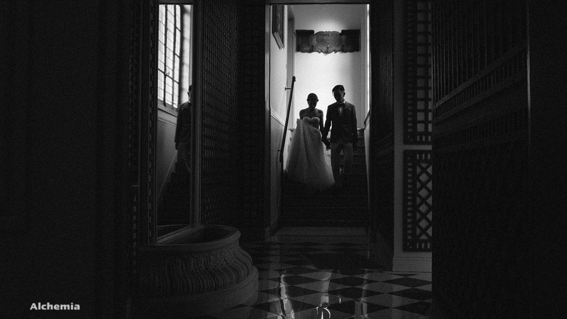 Mariage-manoir-tigeaux-Alchemiawedding-escaliers2