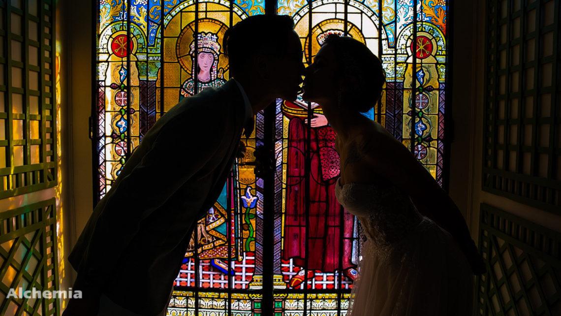 Mariage-manoir-tigeaux-Alchemiawedding-vitraux-mariés2