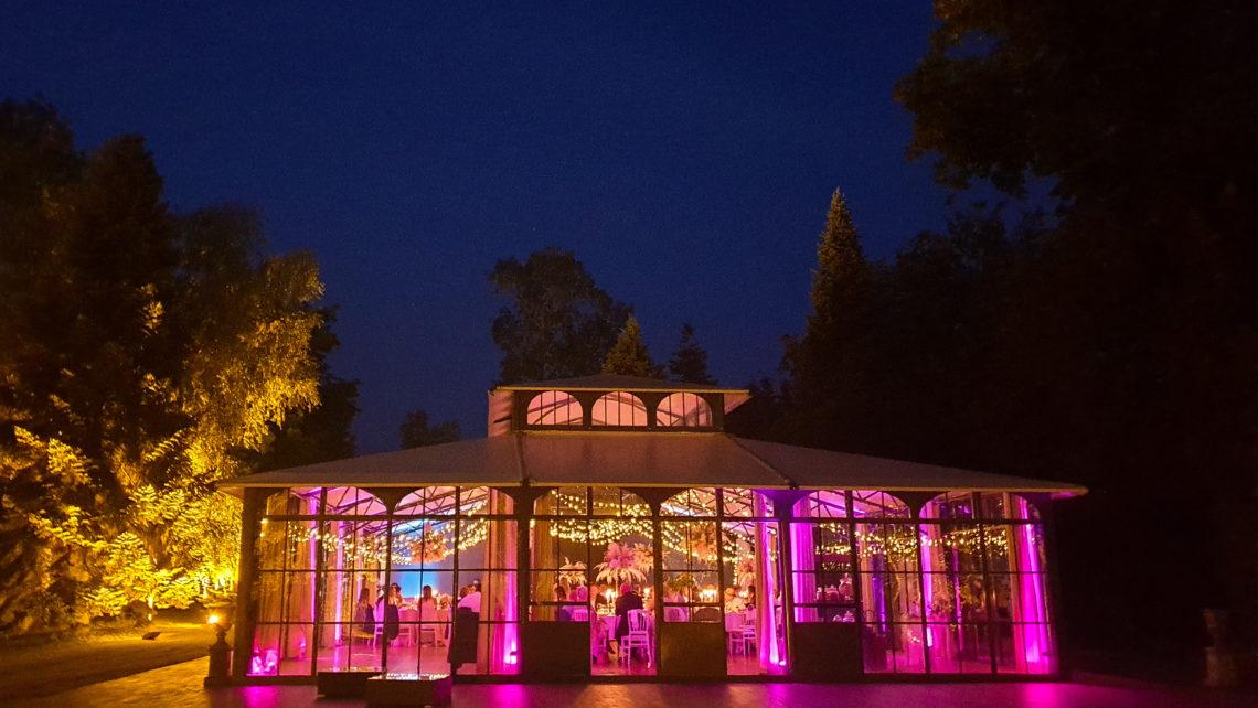 orangerie-nuit-devanture-extérieure-lumineuse-au-chateau-de-bourguigon-77